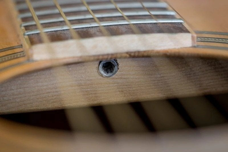Truss Rod - How Acoustic And Electric Guitars Are Made? | Integraudio.com